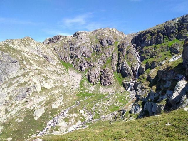 Cascade près du refuge de La Fare