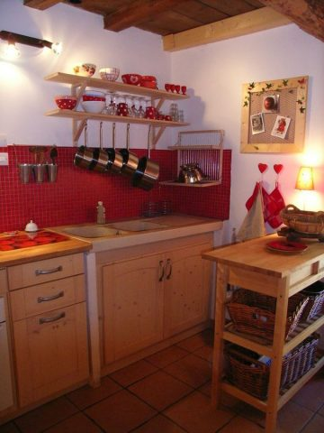 cuisine cosy de l'appartement «les lutins» à Venosc
