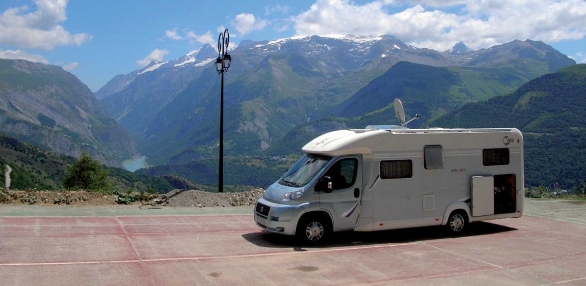 Aire Camping car Auris (1)