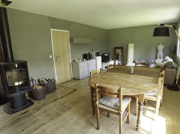 Room to Rent (2)