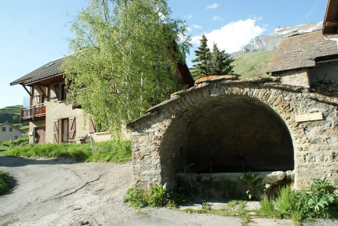 Visite guidée au fil des fontaines de Villar d'Arène
