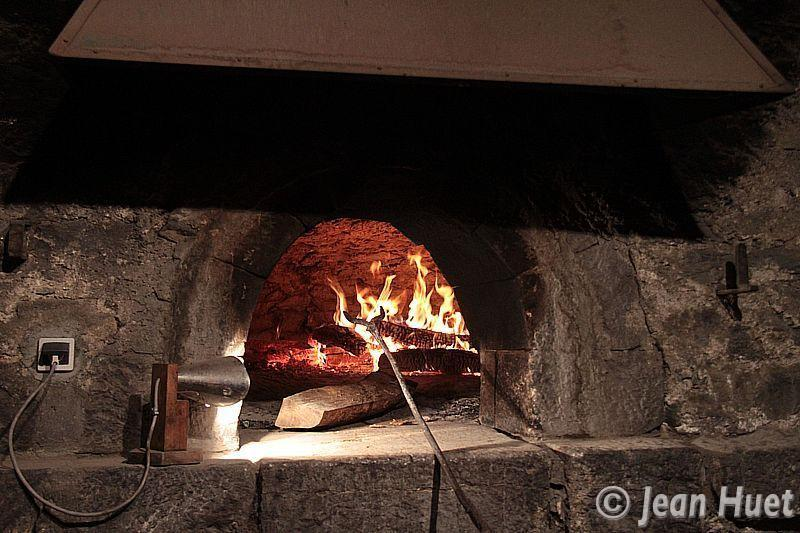 Visite commentée du four à pain de Villar d'Arène (3)