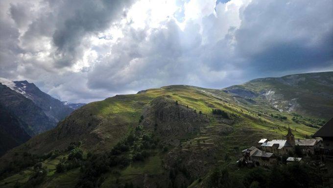 Le tour du plateau d'Emparis par les lacs