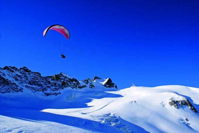 Vol au dessus du glacier de la Girose