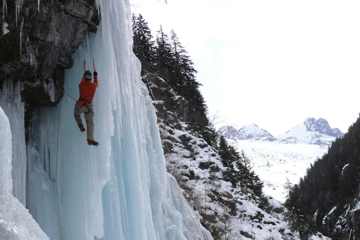 Cascades de glace dans la Vallée du Vénéon