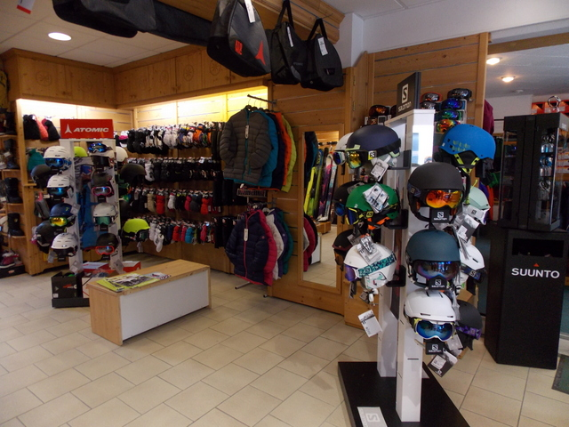 Magasin de sports SKISET (2)