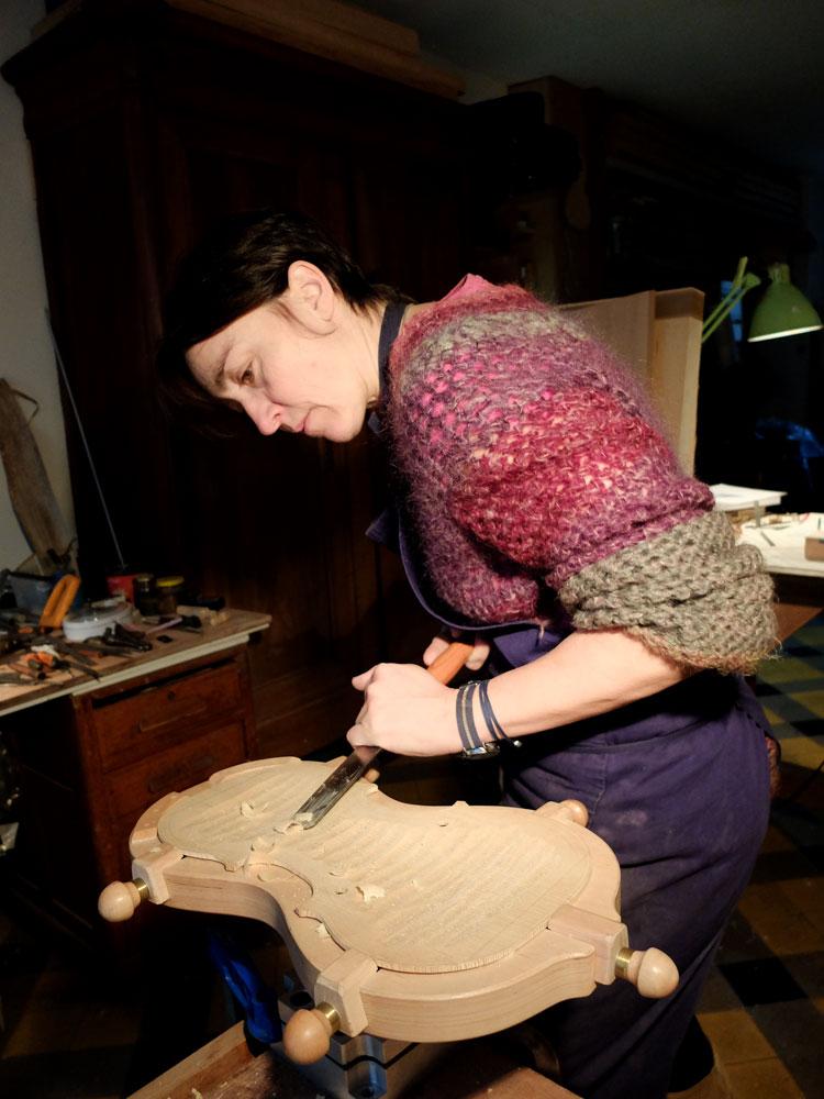 Atelier de Lutherie – Luthière (1)
