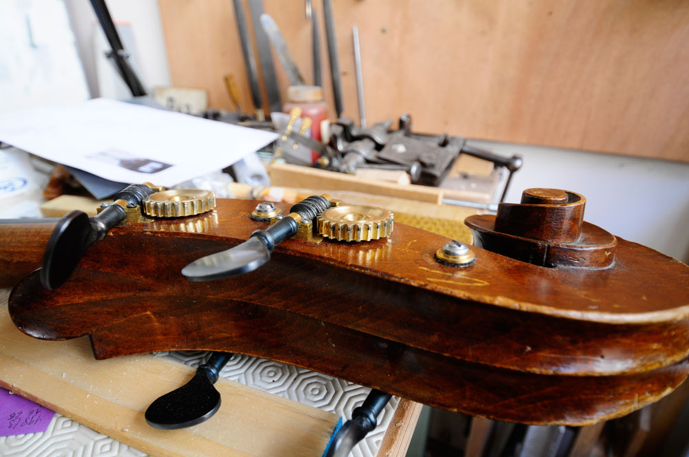 Atelier de Lutherie – Luthière (3)