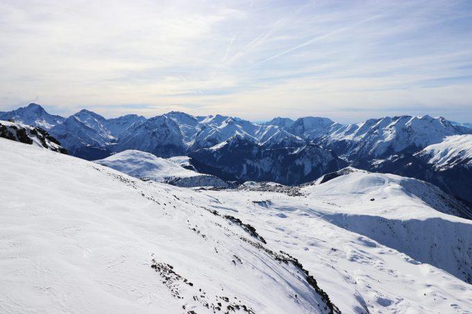 Vue sur l'Alpe d'Huez depuis le Dôme des Rousses