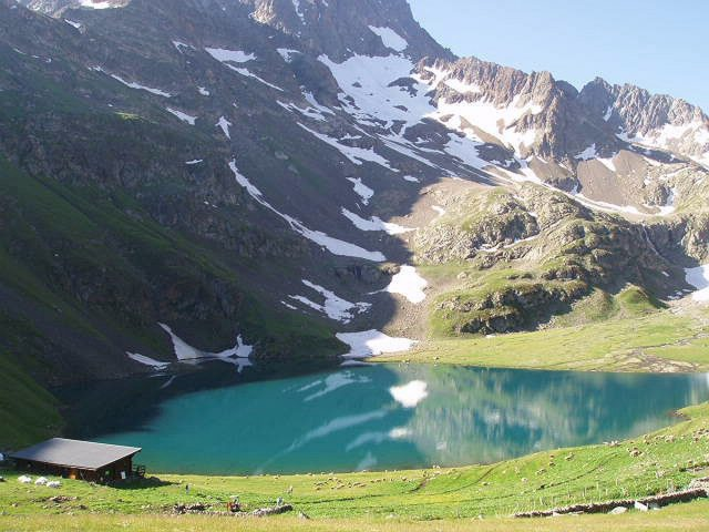refuge au lac de la Muzelle