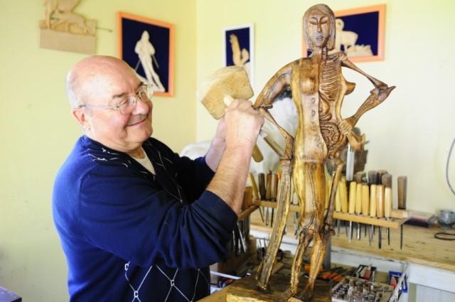 Démonstration de la sculpture sur bois (1)
