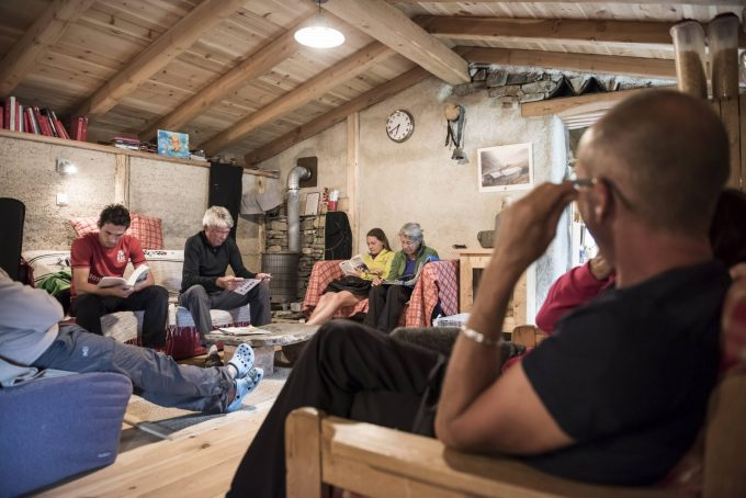 Moment détente au Refuge de la Chamoissière – Villar d'Arène- La Grave