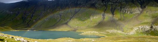 Le lac du Goléon dans son écrin – La Grave