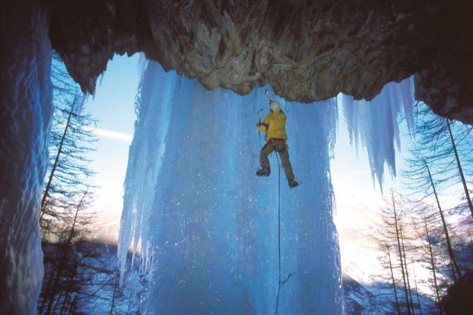 Cascade de glace avec le Bureau des guides – La Grave