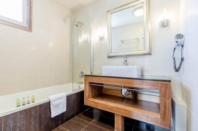 Chambre standard – salle de bain
