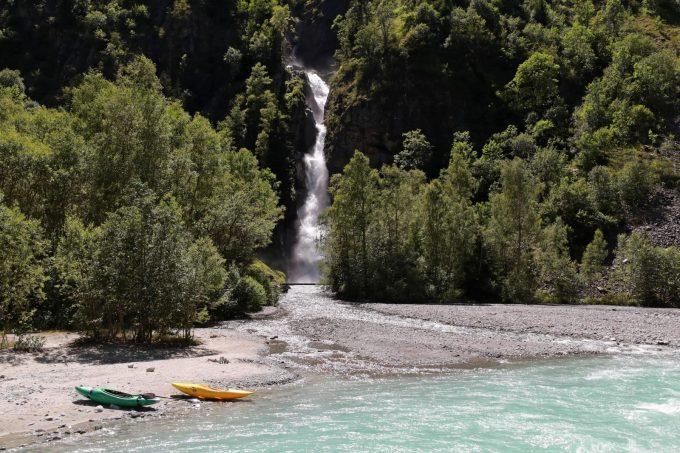 Cascade de Lanchâtra et ses plages de graviers