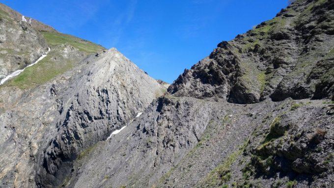 Sentier qui monte au-dessus de la cascade de Pont Ferrand
