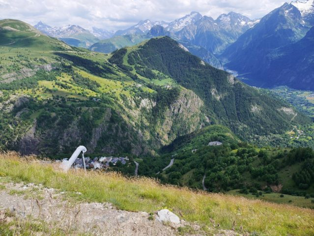 Sentier panoramique côté Alped 'Huez