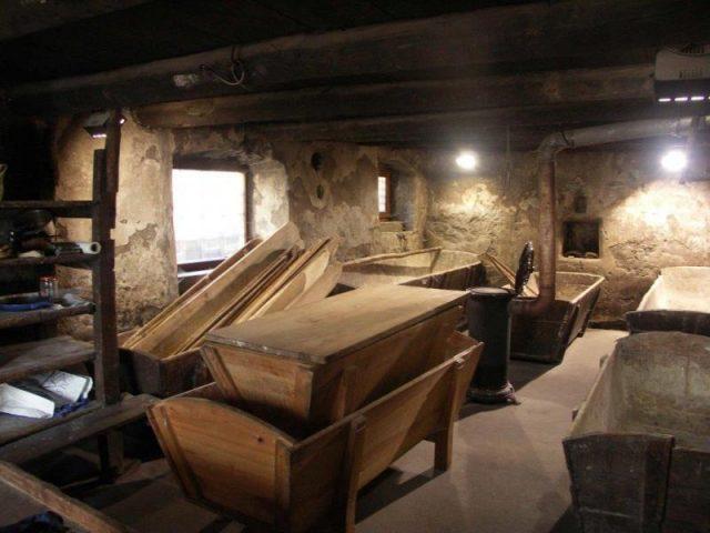 Pétrins du fou banal de Villar d'Arène – La Grave