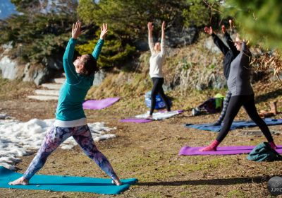 Cours de yoga en plein air avec Florence Crosasso